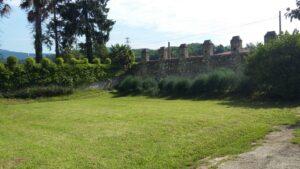 giardino-muro di cinta